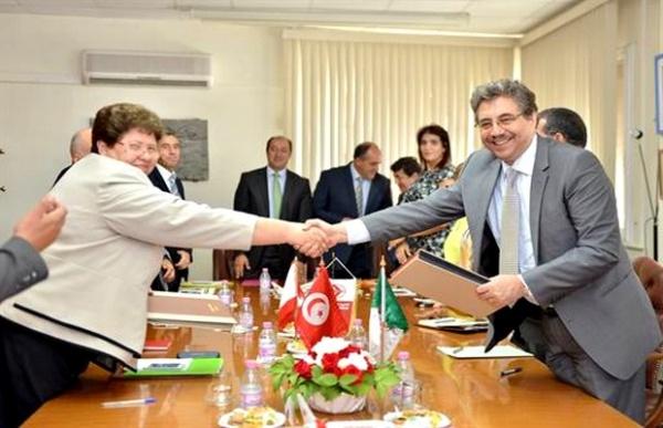 Air Algérie et Tunisair signent une convention de coopération